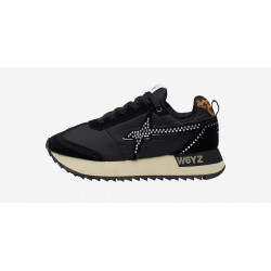 Scarpe donna WIZZ nere con dettaglio maculato e logo con borchiette. 0012014029.17.0A01